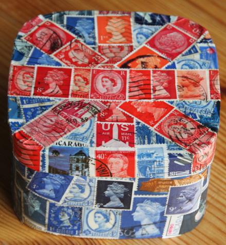 Briefmarkenkleberei